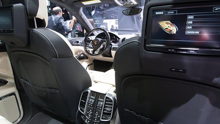 porsche-cayenne-turbo-s-interior