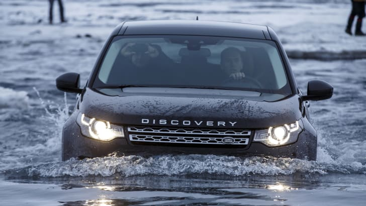 Land Rover Discovery Sport water front on