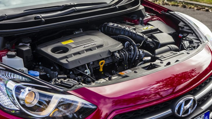 hyundai-i30-active-diesel-2015-36