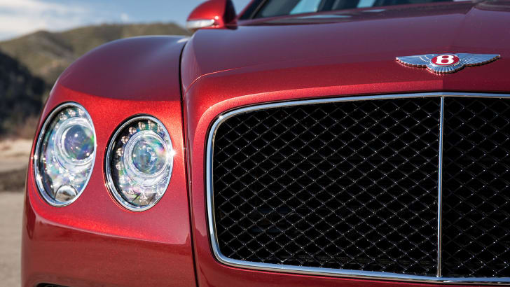 bentley-flying-spur-v8-s-grille
