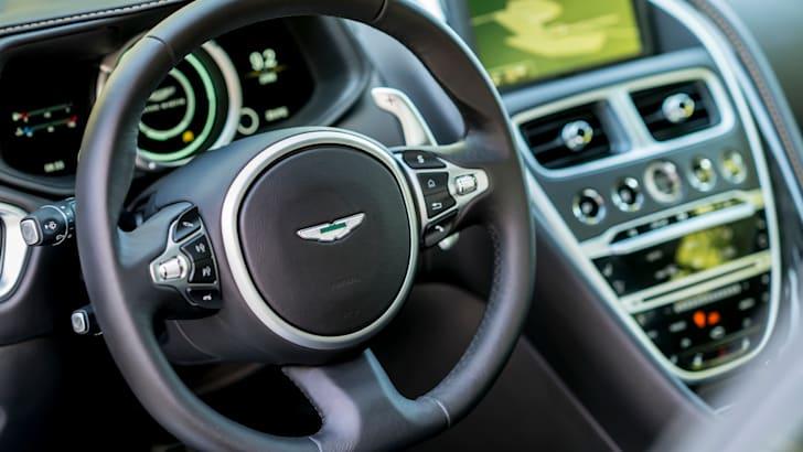 Aston Martin DB11 - 30