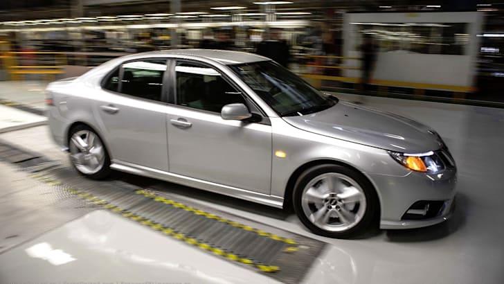 Saab resumes production - 1