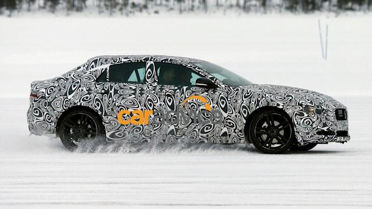 Jaguar XE 8