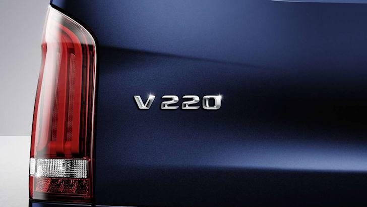 2017-mercedes-benz-v220-01