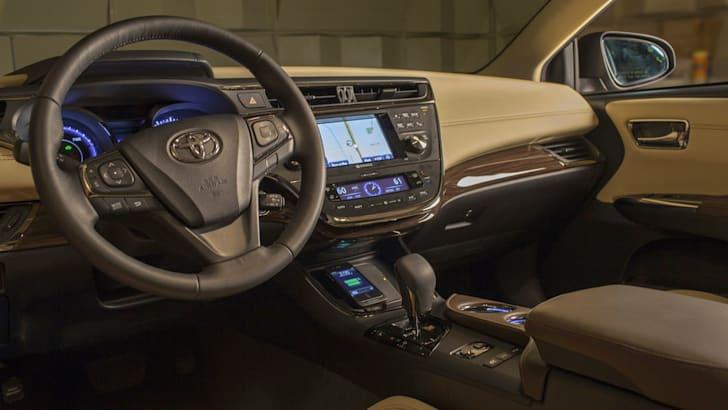 Toyota Avalon wireless charging - 2