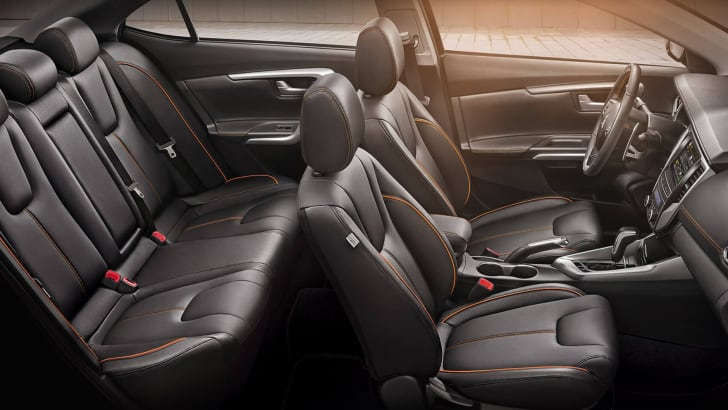 mitsubishi-grand-lancer-seats