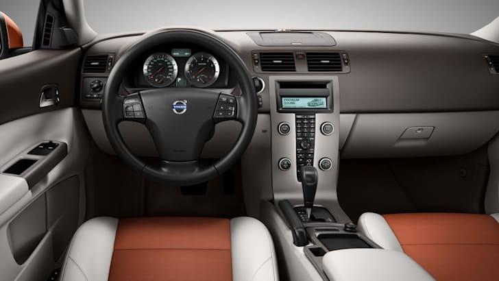 2010-Volvo-C30-005