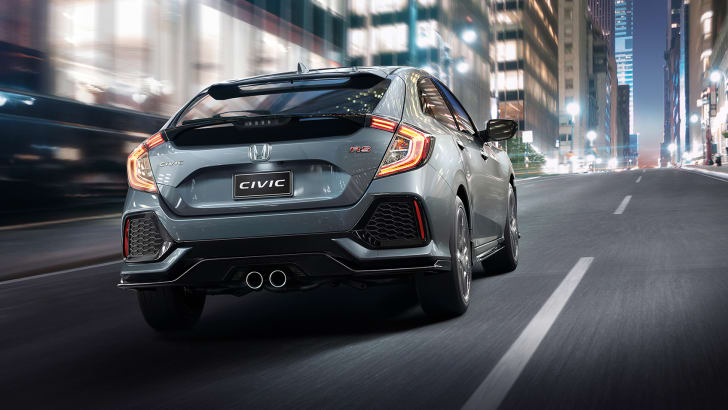 2017_honda_civic_hatch_02