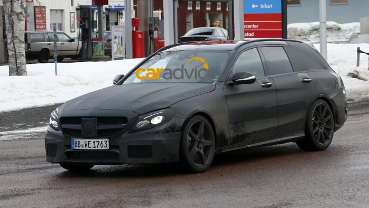 Mercedes-Benz-C63-AMG-Estate-9