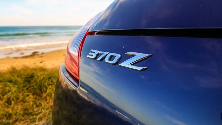 Nissan 370Z Roadster-36