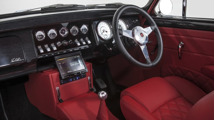 Jaguar Mark 2 restomod by Ian Callum and CMC - interior