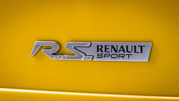 2015-renault-clioRS-track-day-8