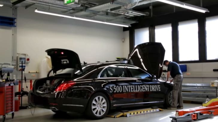 Mercedes-Benz S500 Intelligent Drive in the workshop