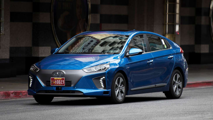 HYUNDAI MOTOR COMPANY INTRODUCES NEW AUTONOMOUS IONIQ CONCEPT AT