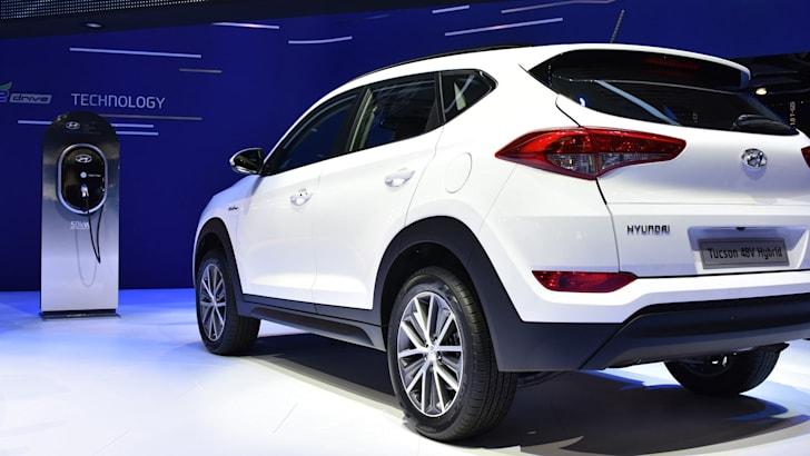 hyundai-tucson-48v-hybrid-rear