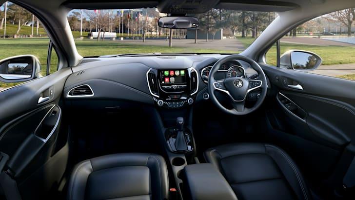 2017-holden-astra-sedan-1