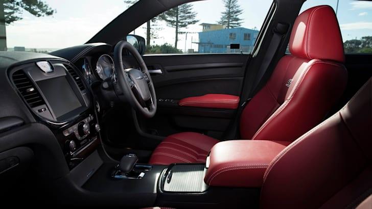 Chrysler 300S front cabin