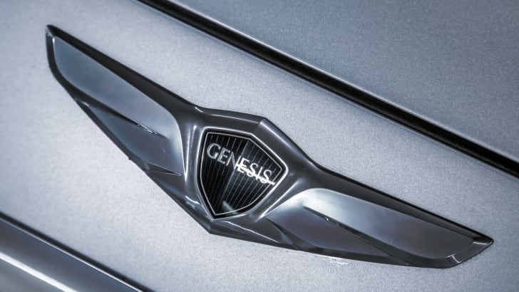 2015-Hyundai-Genesis-Review-88