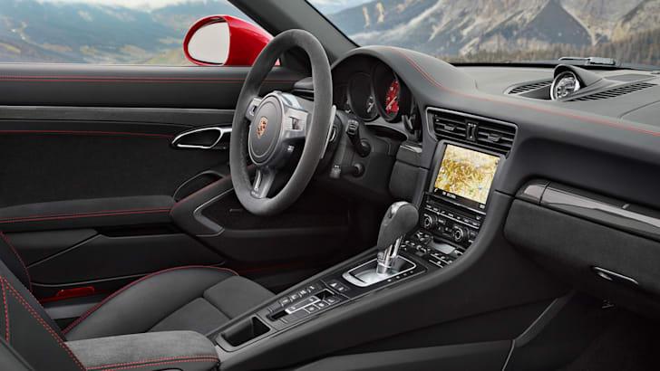 Porsche 911 Targa 4 GTS_7