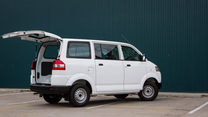 2015-suzuki-APV-van-single-review-22