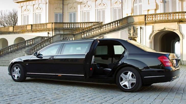 Mercedes-Benz-S600-Pullman-Guard