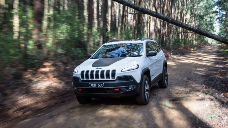 2016-jeep-cherokee-trailhawk-2