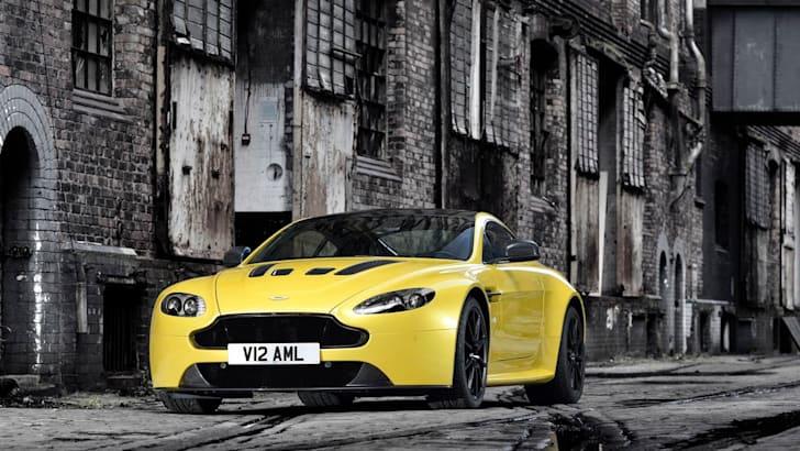 Aston Martin V12 Vantage S01