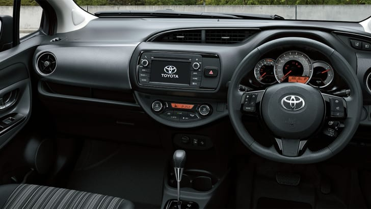 toyota-yaris-interior