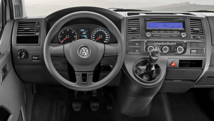 2010_VW_Transporter_002