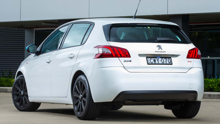 2015_peugeot_308-total-package_02