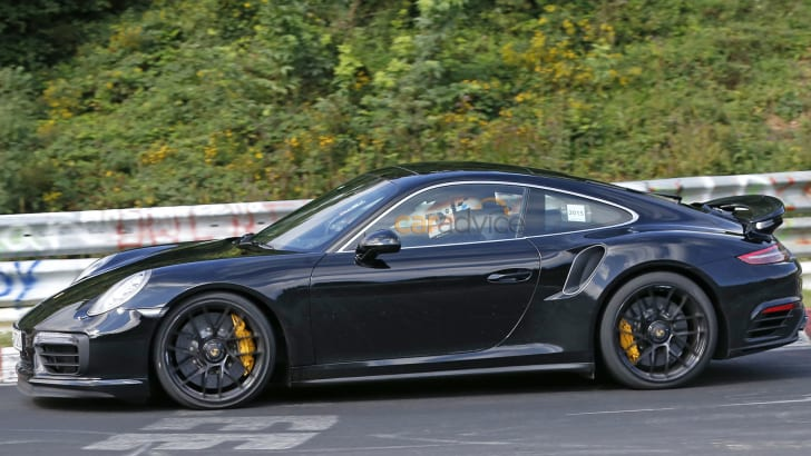 porsche-911-turbo-s-spy-5-side