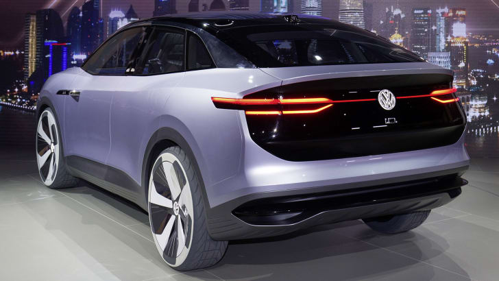 volkswagen-id-crozz-rear