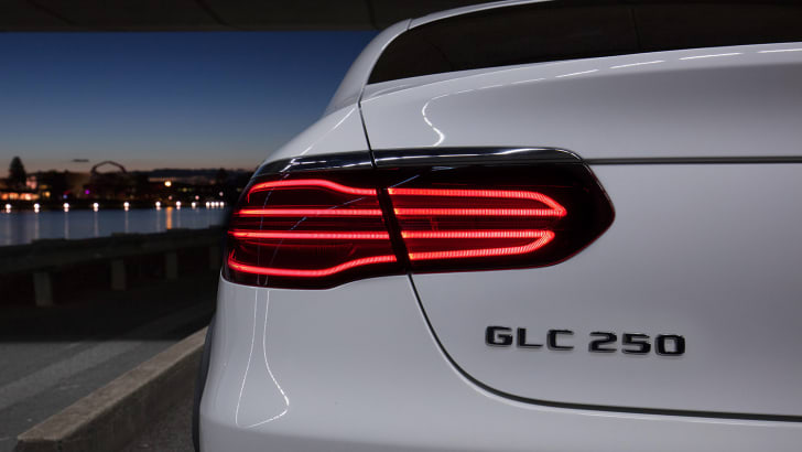 2017_mercedes-benz_glc-coupe_mercedes-amg_glc43-coupeglc-coupe_8615