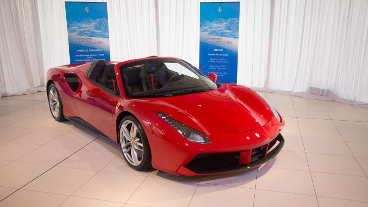 Ferrari-488-Spider-17