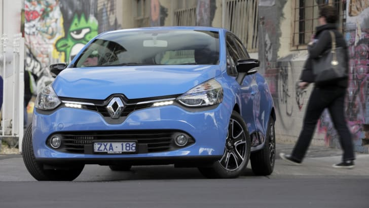 2014-Renault-Clio-Review-077