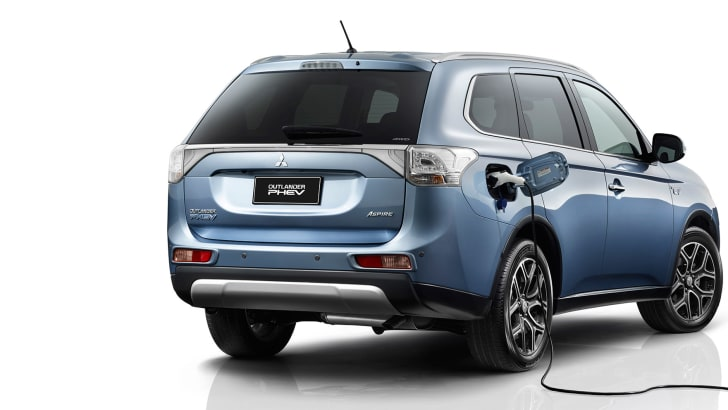 Mitsubishi Outlander PHEV plugged in