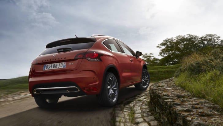 2016_ds4_crossback_02