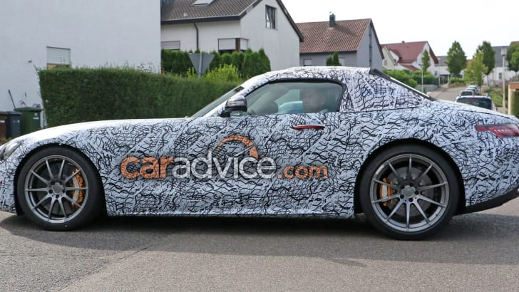 mercedes-amg-gt-c-roadster-spy-6-side