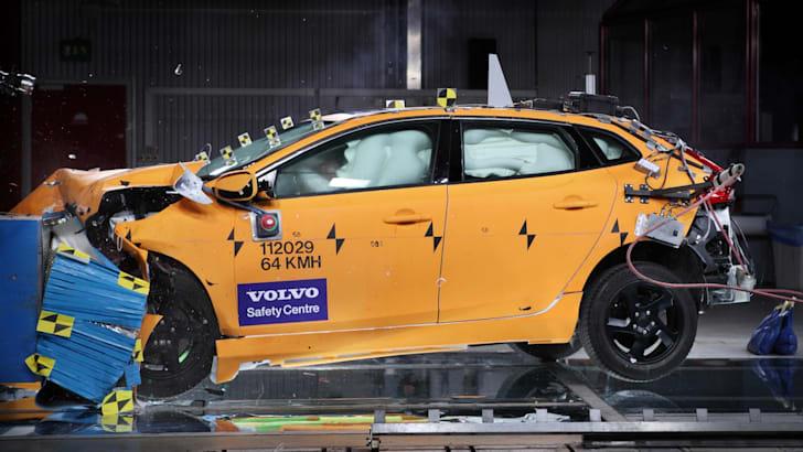 volvo-v40-safety-1