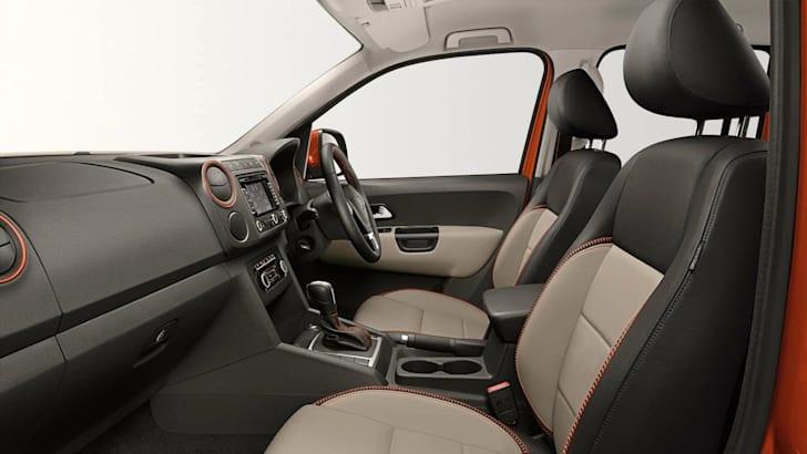 Volkswagen Amarok Canyon interior