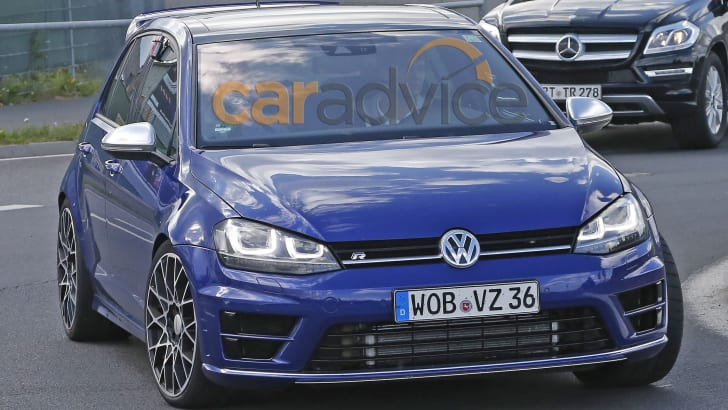 volkswagen-golf-r400-spy-2-hero