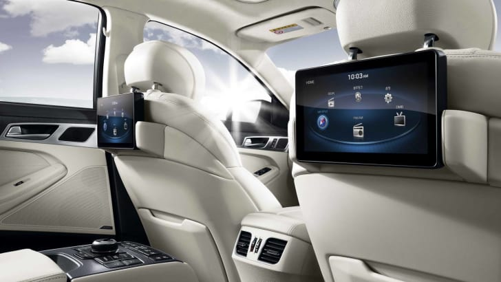 2015-Hyundai-Genesis-Sedan-interior-rear