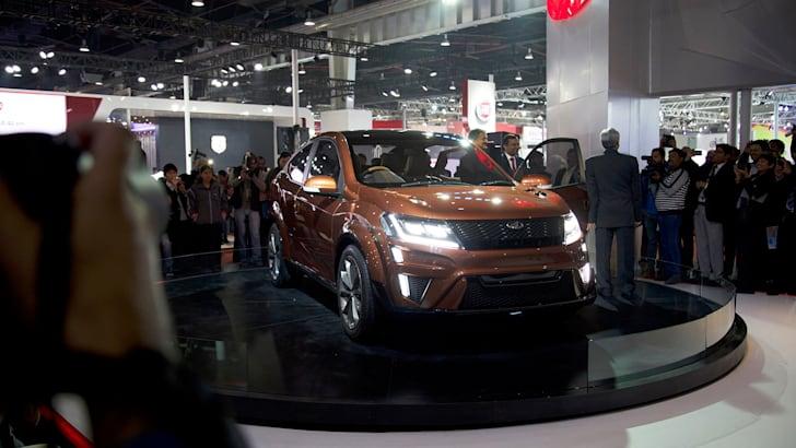 2017-Mahindra-XUV-Coupe-Concept-14