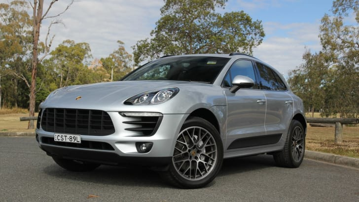 Porsche-Macan-vs-BMW-X4-03