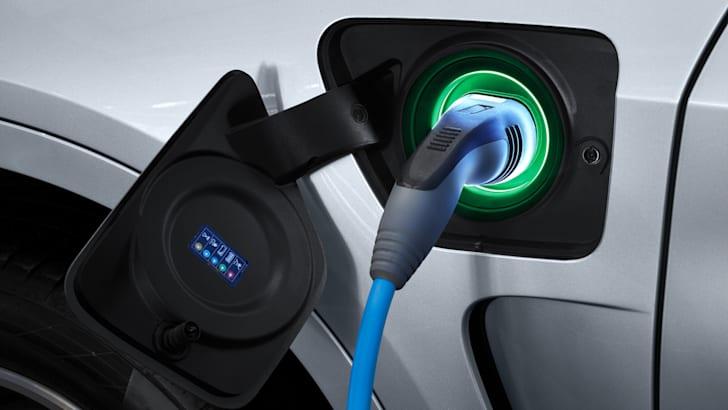 BMW-X5-xDrive40e-13.03.15-120860