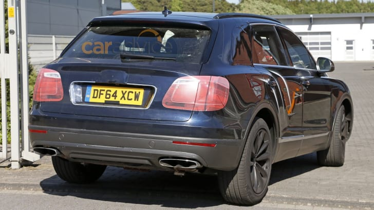 bentley-bentayga-spy-9-rear
