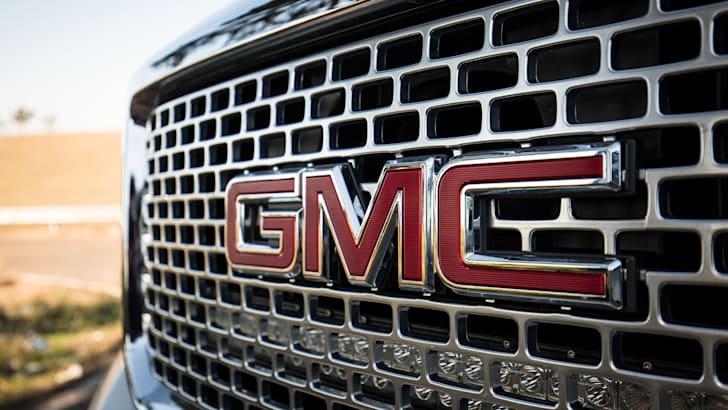 2016-gmc-sierra-denali-HD-dual-cab-ute-35