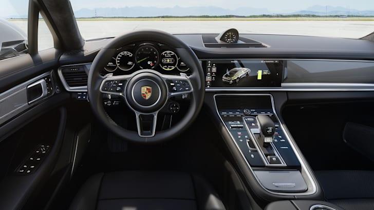 2017-porsche-panamera-turbo-s-e-hybrid-news-3