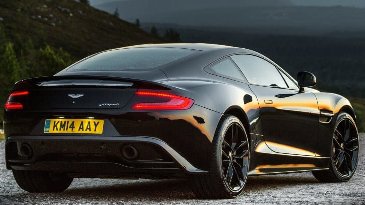 Aston-Martin-Vanquish-Carbon-2