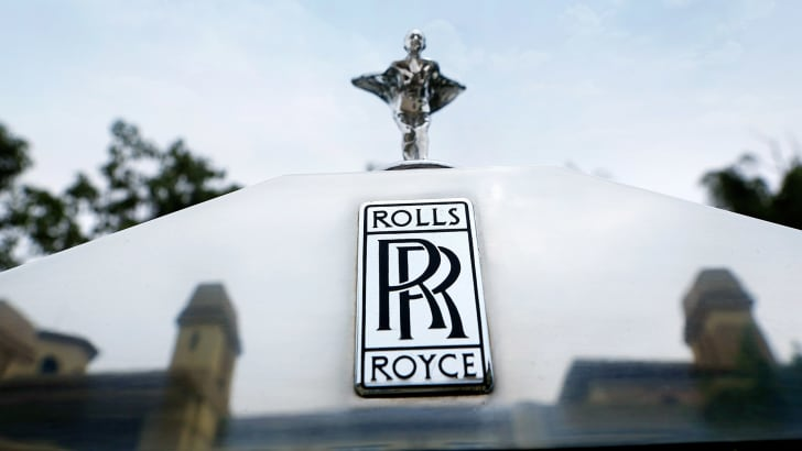 Rolls-Royce logo, grille and Spirit of Ectacsy